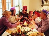 Празднование нового года для всей семьи